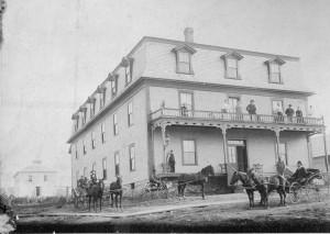 P176-Angus House